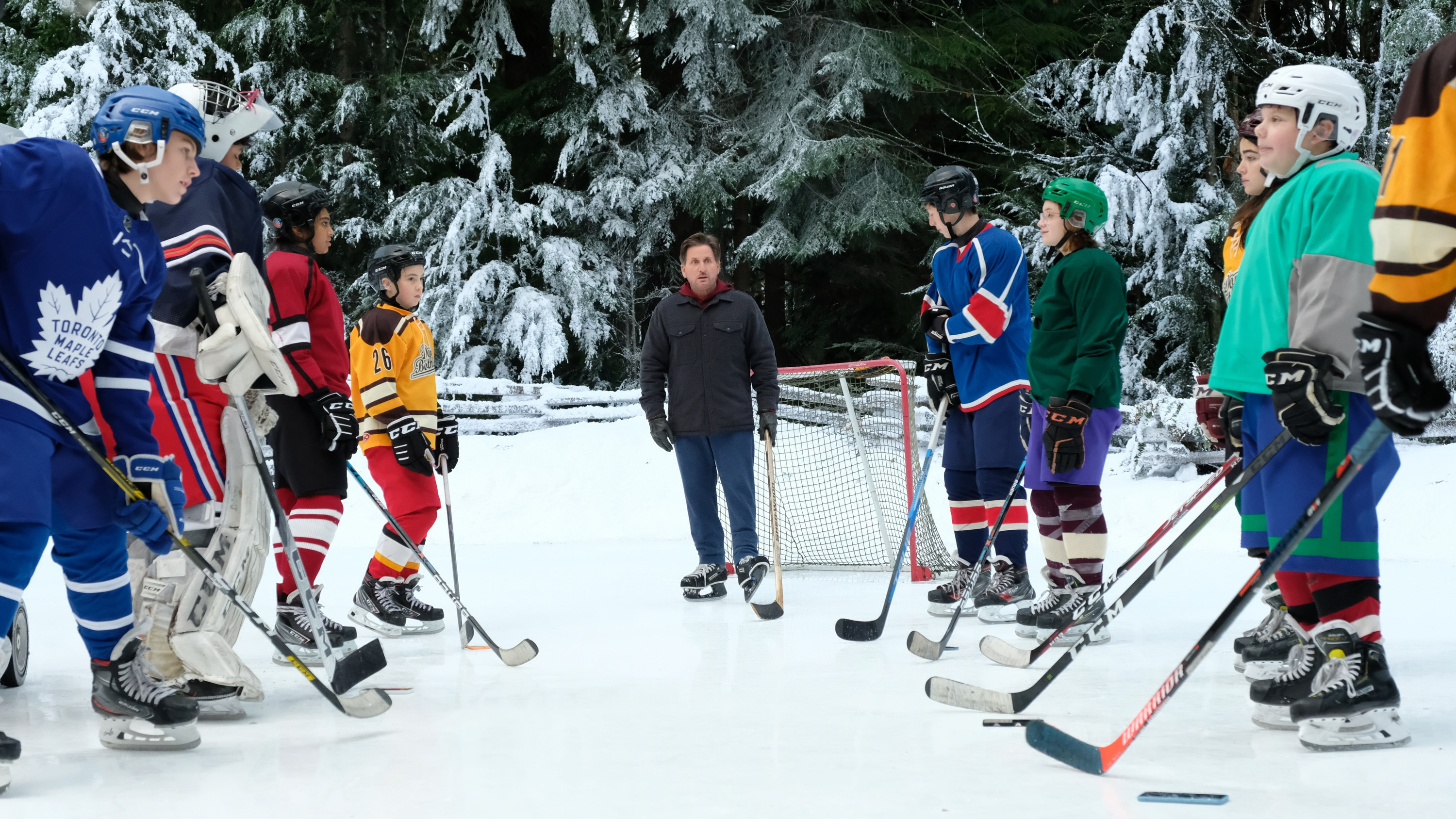 """THE MIGHTY DUCKS: GAME CHANGERS - """"Pond Hockey"""" - With the team mad at Evan, and Alex unsure of her coaching skills, Bombay brings them somewhere new. (Disney/Liane Hentscher) EMILIO ESTEVEZ"""