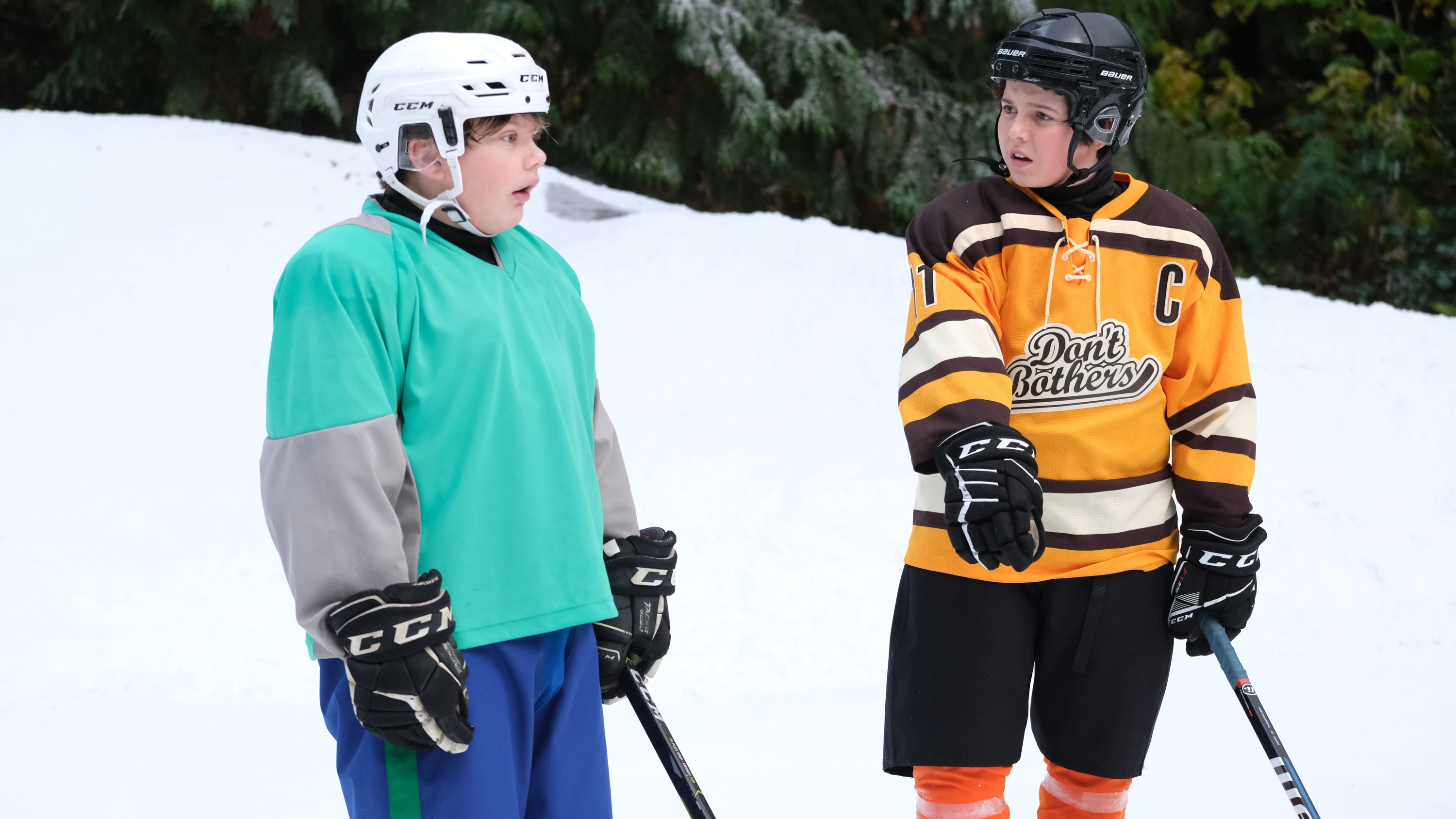 """THE MIGHTY DUCKS: GAME CHANGERS - """"Pond Hockey"""" - With the team mad at Evan, and Alex unsure of her coaching skills, Bombay brings them somewhere new. (Disney/Liane Hentscher) MAXWELL SIMPKINS, BRADY NOON"""
