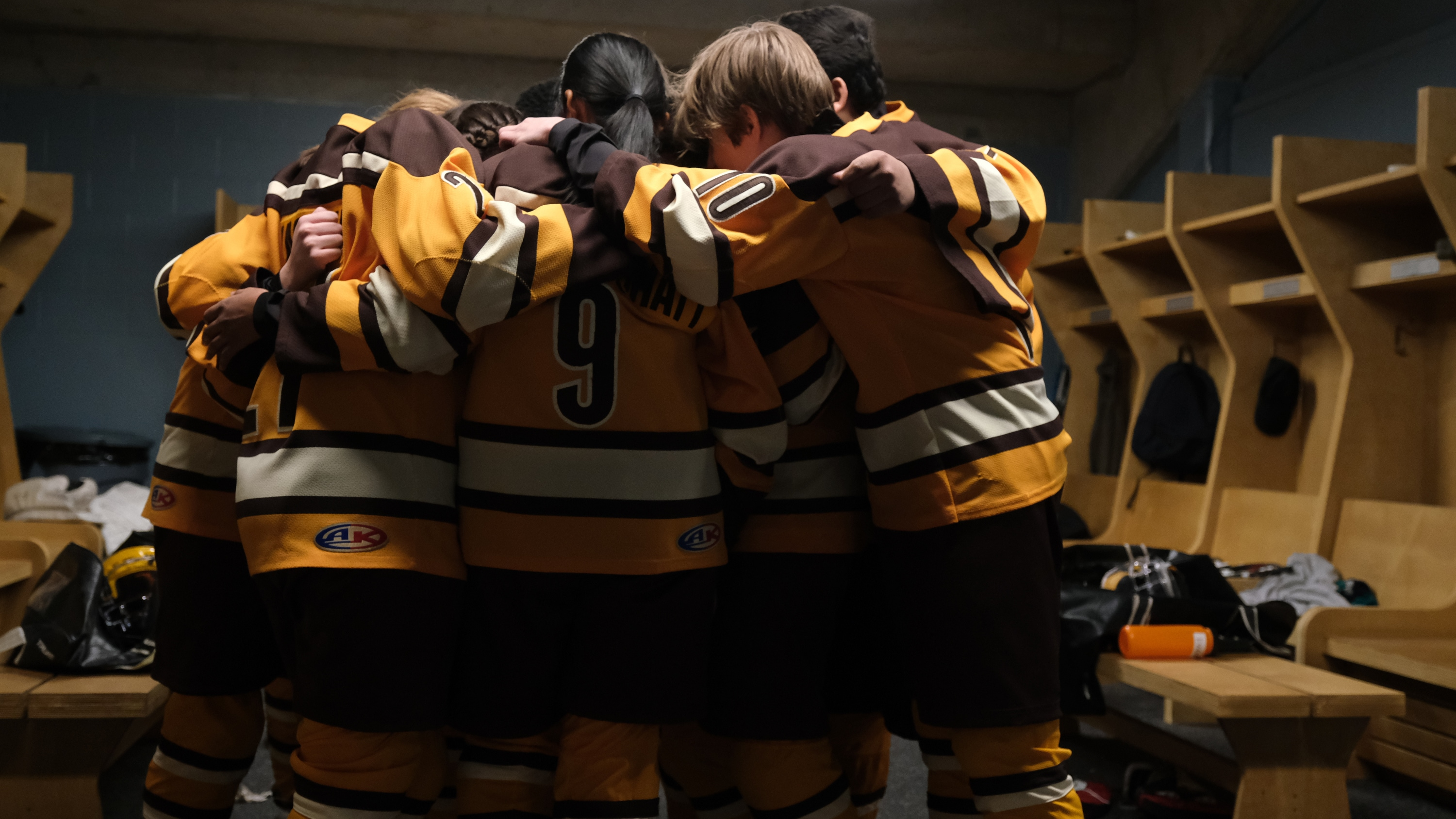 """THE MIGHTY DUCKS: GAME CHANGERS - """"State of Play"""" - The Don't Bothers are forced to choose what's really important, as they face the Ducks at States. (Disney/Liane Hentscher) THE MIGHTY DUCKS: GAME CHANGERS"""