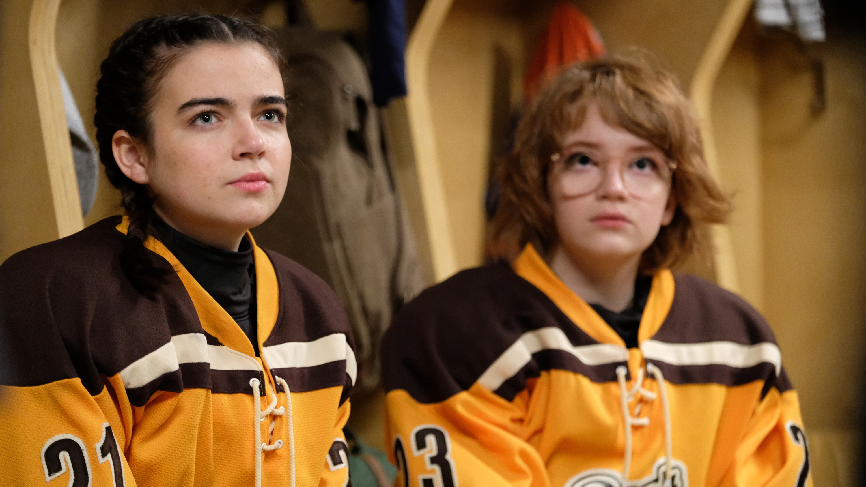 """THE MIGHTY DUCKS: GAME CHANGERS - """"State of Play"""" - The Don't Bothers are forced to choose what's really important, as they face the Ducks at States. (Disney/Liane Hentscher) TAEGEN BURNS, BELLA HIGGINBOTHAM"""