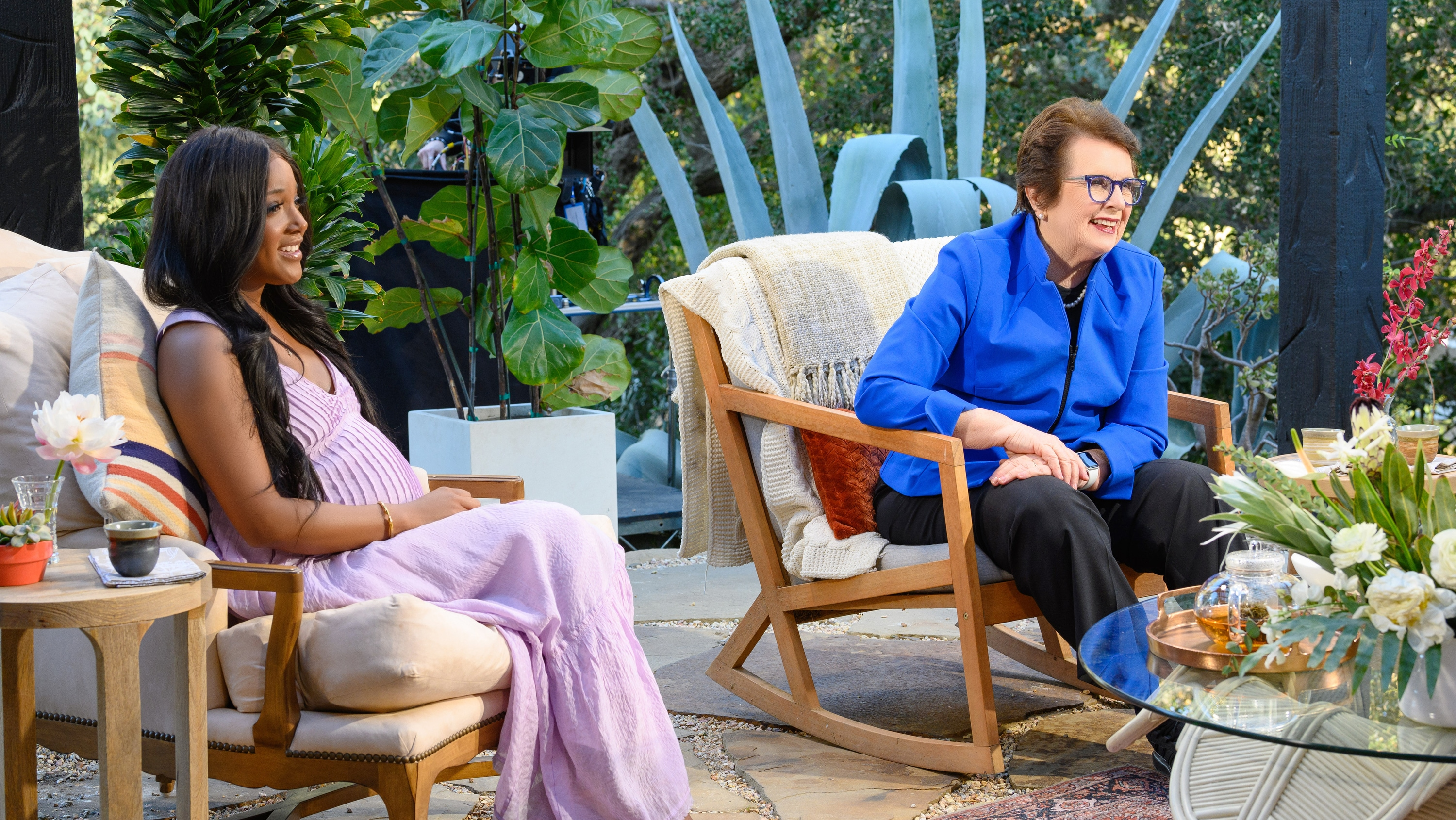 """TURNING THE TABLES WITH ROBIN ROBERTS - """"Episode 103"""" - Billie Jean King, Jamie Lee Curtis, Mickey Guyton. (Disney/Richard Harbaugh) MICKEY GUYTON, BILLIE JEAN KING"""