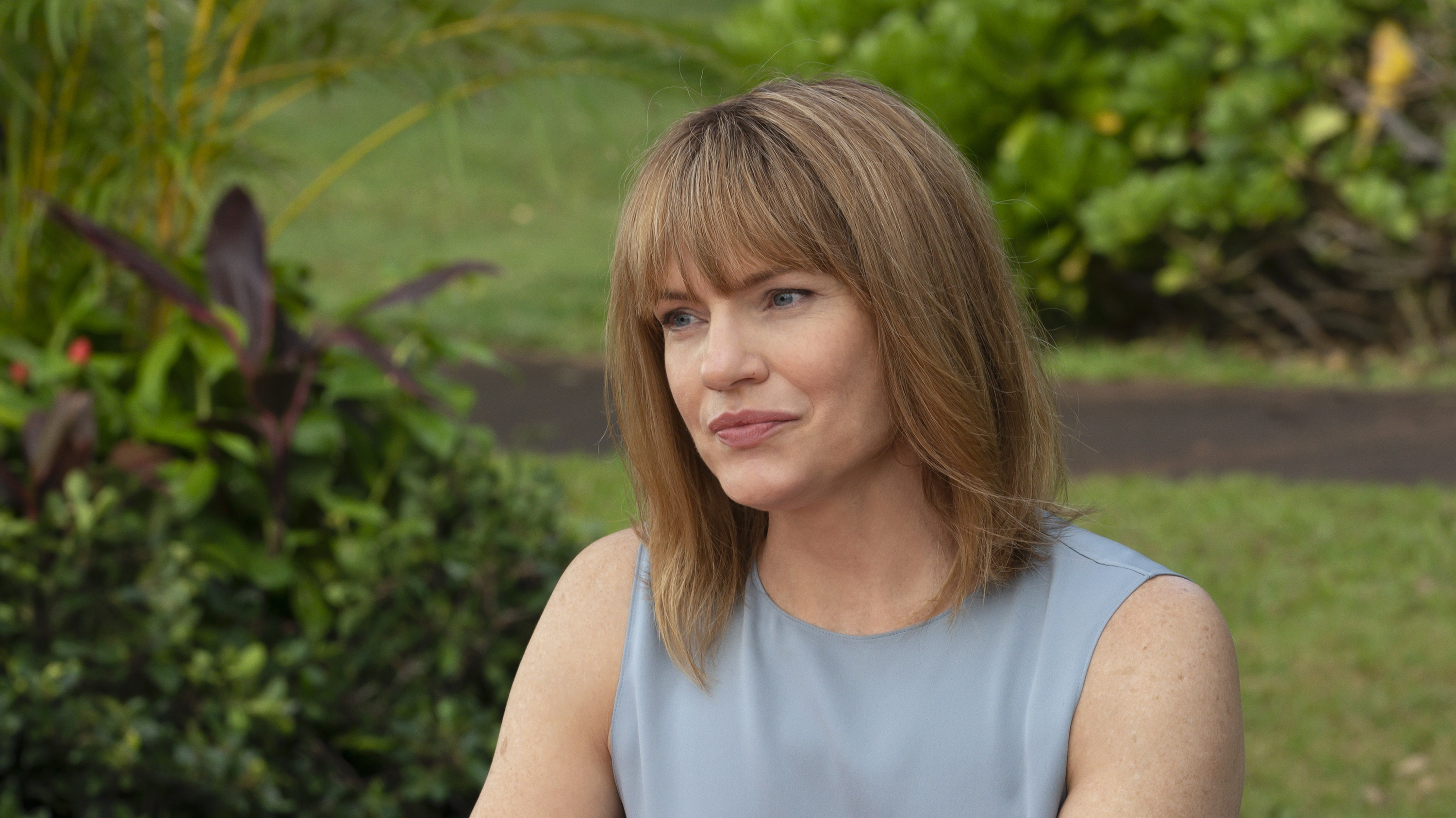 """DOOGIE KAMEALOHA, M.D. - """"Love Is a Mystery"""" - Lahela tackles two mysteries: the root cause of a tourist's sudden paralysis and Walter's feelings. (Disney/Karen Neal) KATHLEEN ROSE PERKINS"""