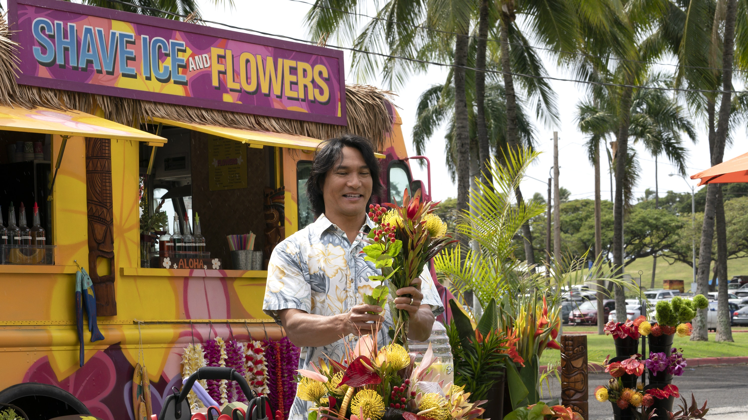 """DOOGIE KAMEALOHA, M.D. - """"Love Is a Mystery"""" - Lahela tackles two mysteries: the root cause of a tourist's sudden paralysis and Walter's feelings. (Disney/Karen Neal) JASON SCOTT LEE"""