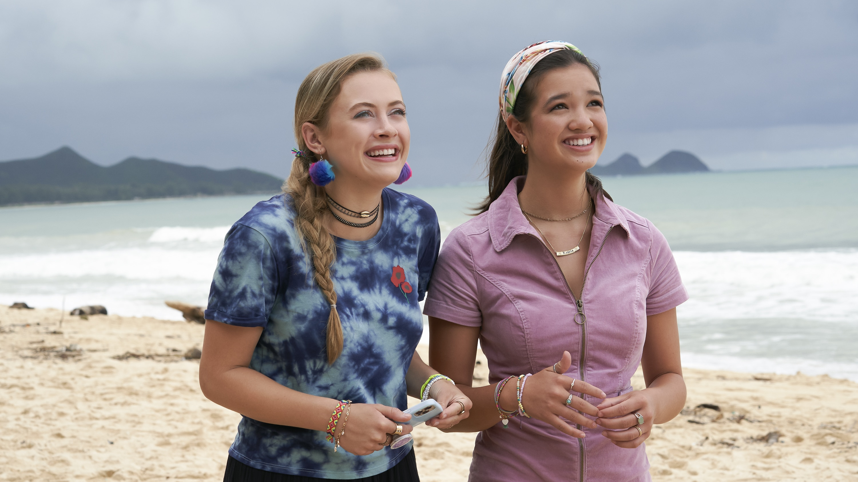 """DOOGIE KAMEALOHA, M.D. - """"License to Not Drive"""" - Yearning for freedom, Lahela defies Clara and takes the family car without permission. (Disney/Karen Neal) EMMA MEISEL, PEYTON ELIZABETH LEE"""