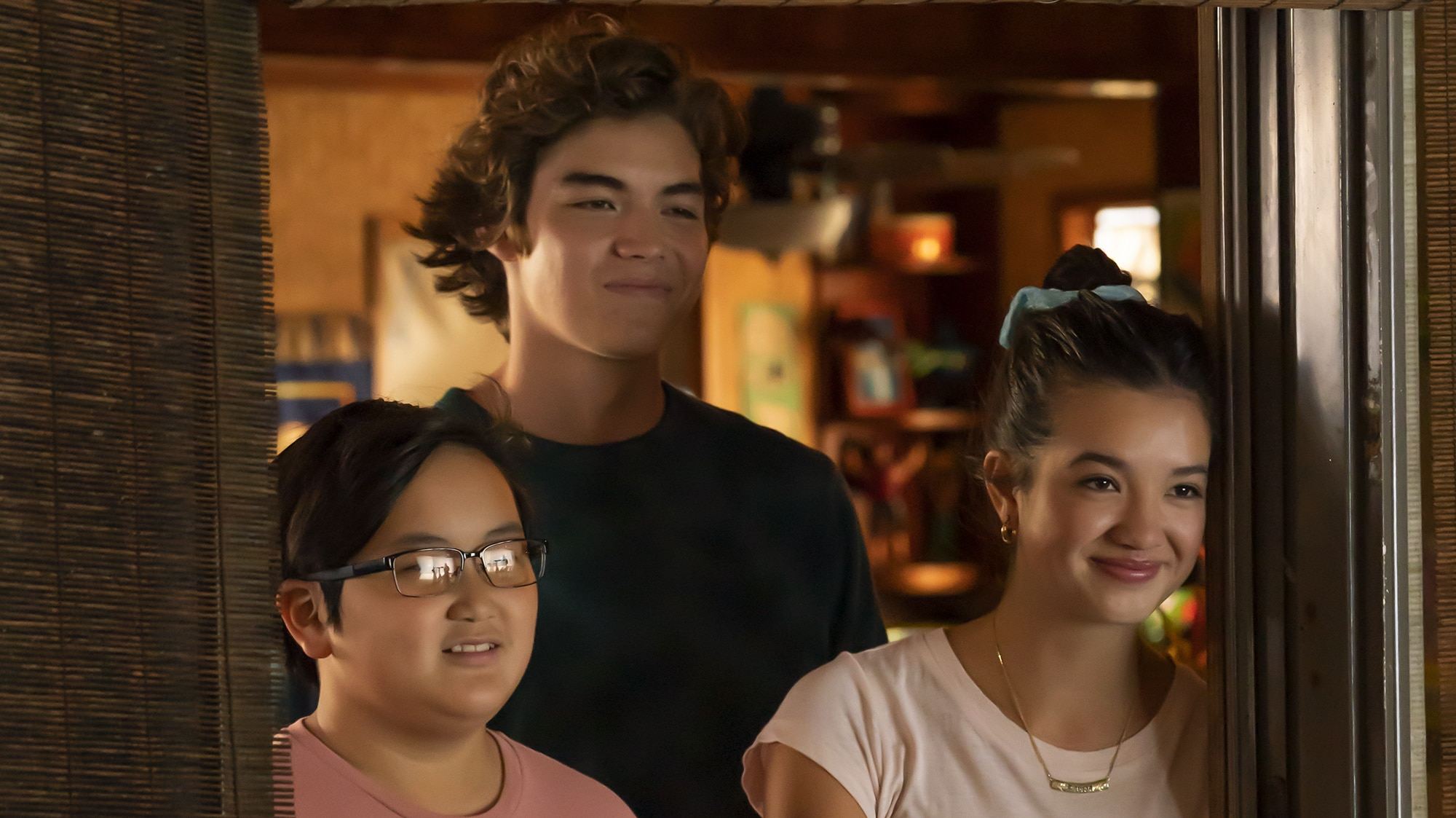 """DOOGIE KAMEALOHA, M.D. - """"License to Not Drive"""" - Yearning for freedom, Lahela defies Clara and takes the family car without permission. (Disney/Karen Neal) WES TIAN, MATTHEW SATO, PEYTON ELIZABETH LEE"""