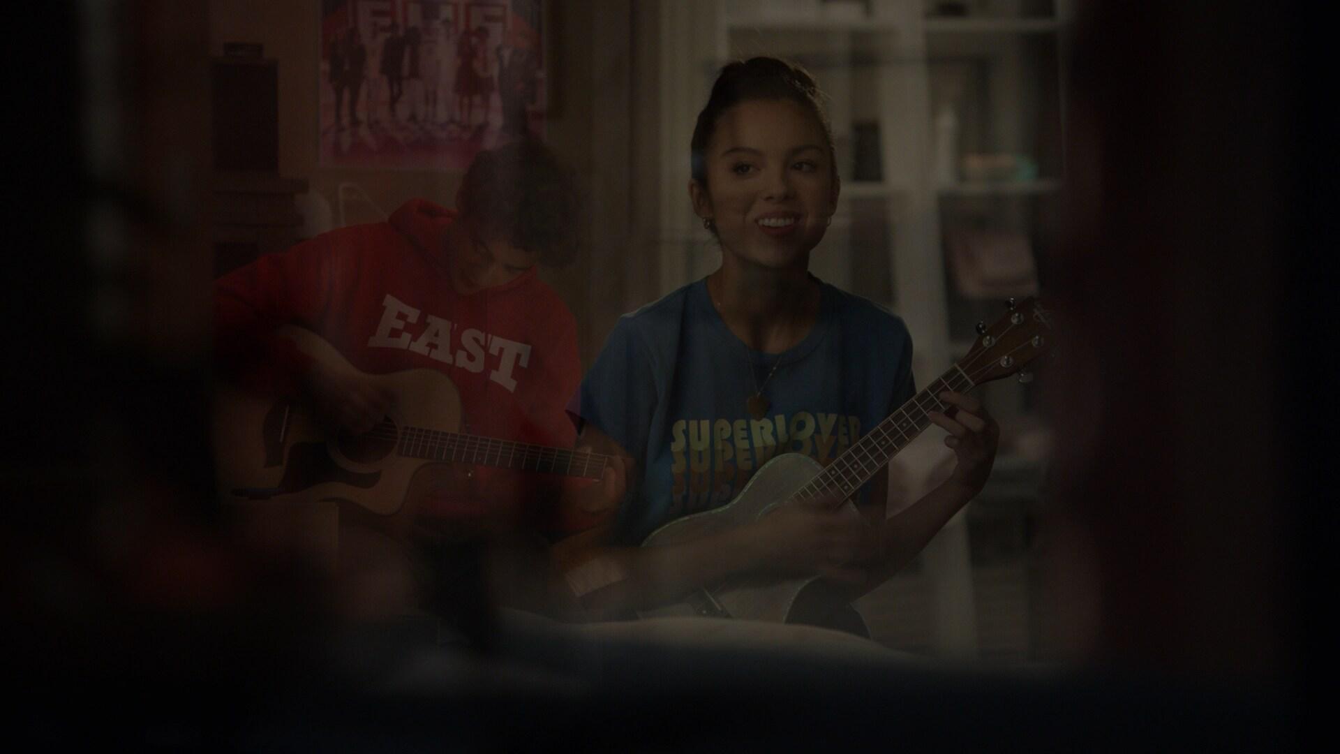 "HIGH SCHOOL MUSICAL: THE MUSICAL: THE SERIES - ""Valentines Day"" (Disney) JOSHUA BASSETT, OLIVIA RODRIGO"