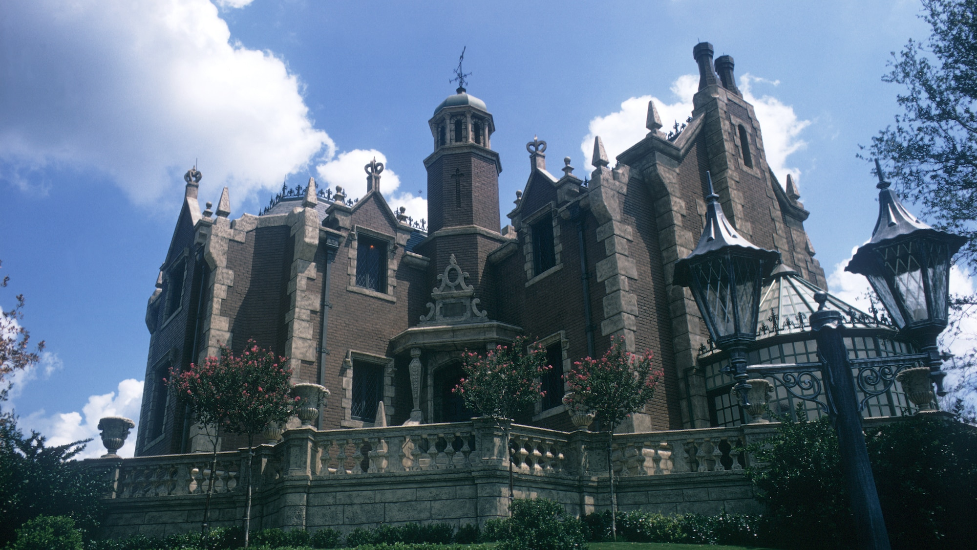 Image of the Haunted Mansion exterior during the day.