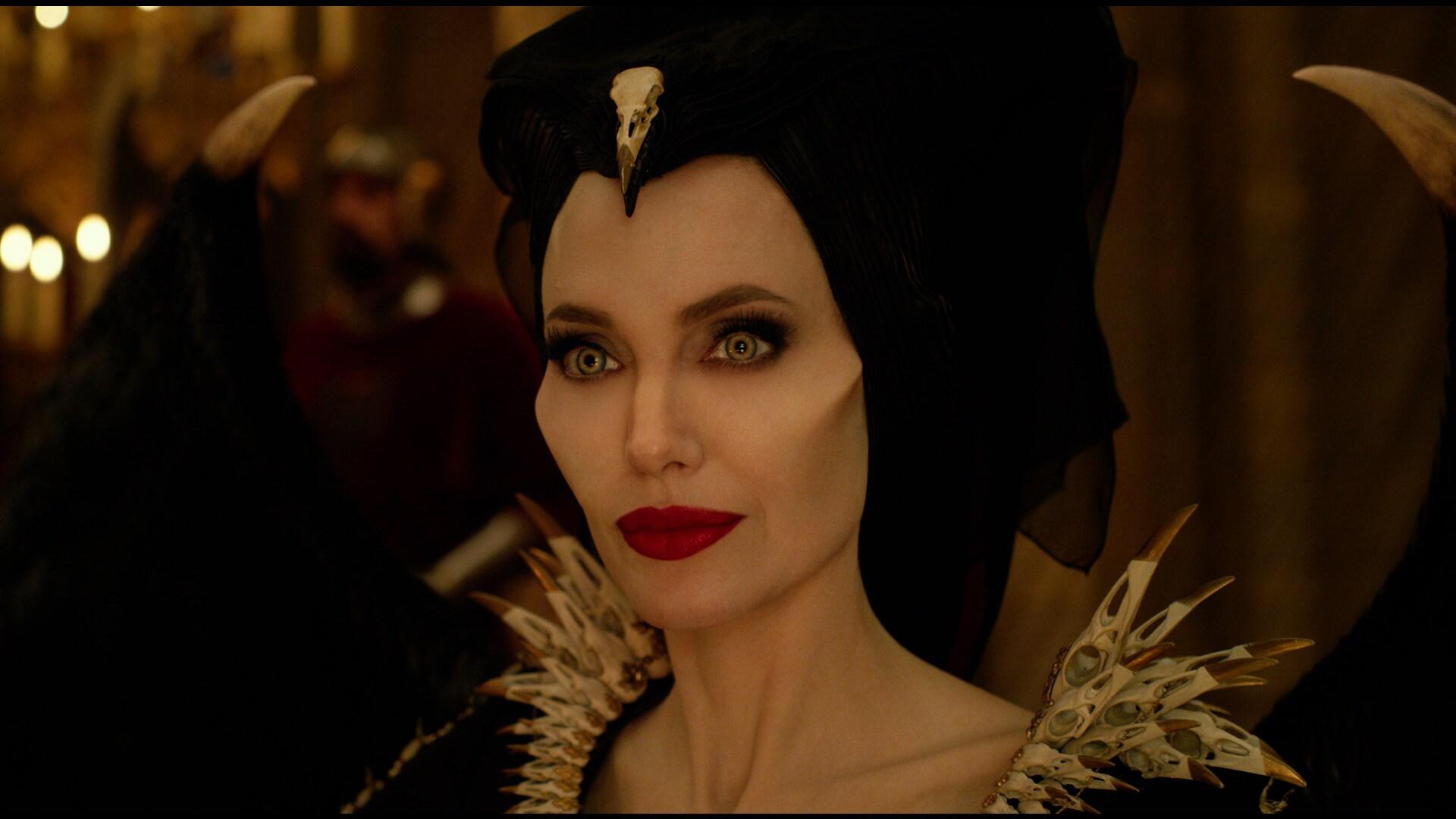 Angelina Jolie como Maléfica en Maléfica: Dueña del mal