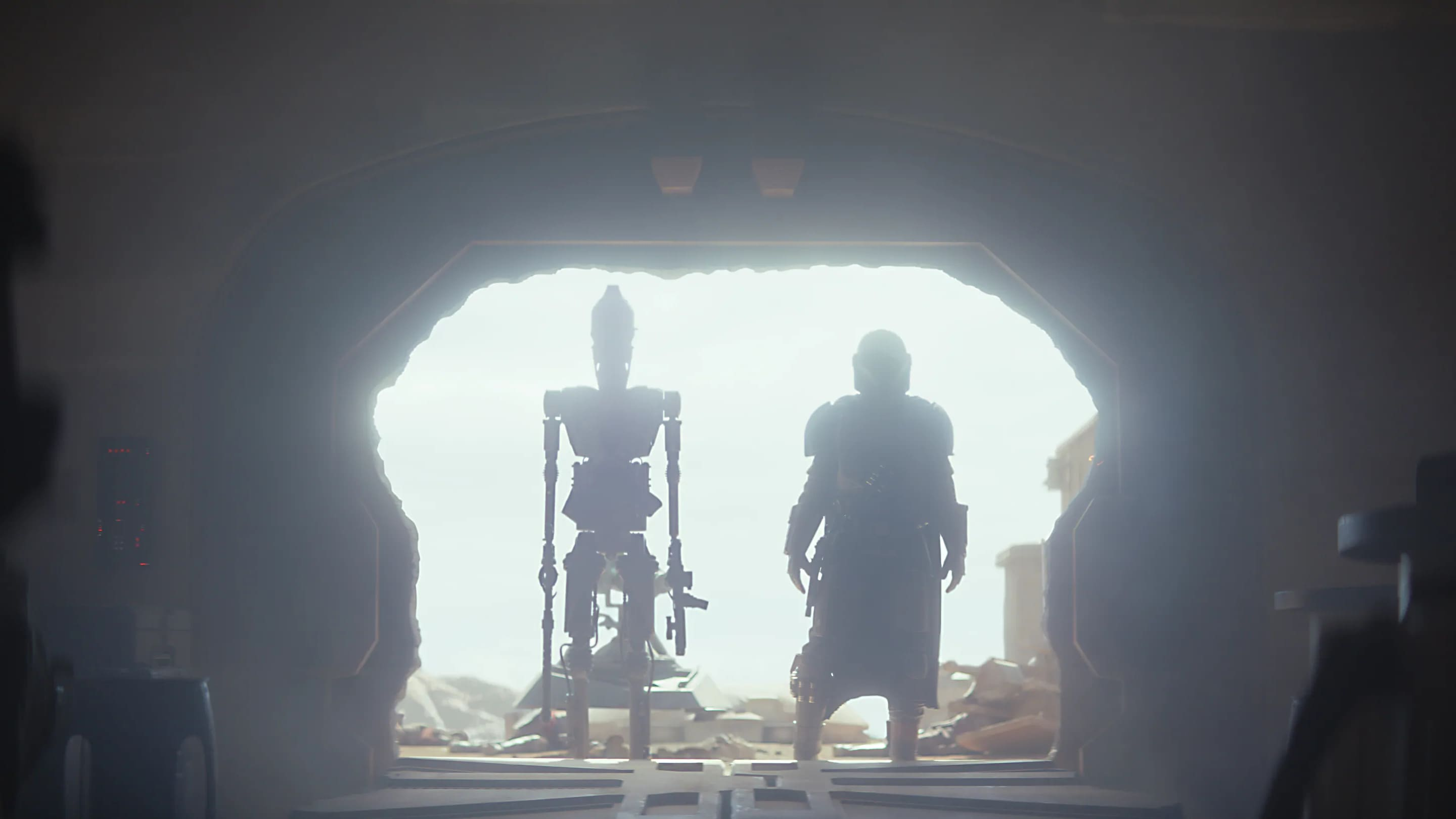 Caption :IG-11 (Taika Waititi) and The Mandalorian (Pedro Pascal) in the Disney+ series THE MANDALORIAN. Byline :Lucasfilm Ltd. Copyright :(c) 2019 Lucasfilm Ltd. All Rights Reserved.
