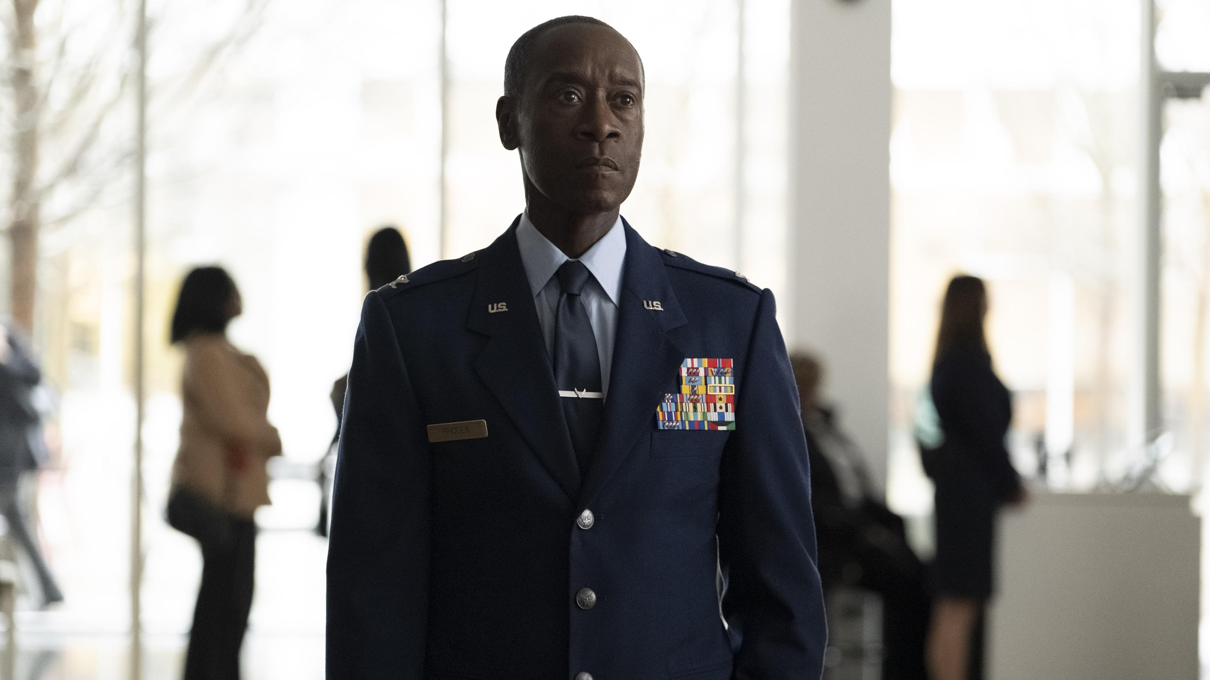 Rhodey (Don Cheadle) in Marvel Studios' THE FALCON AND THE WINTER SOLDIER exclusively on Disney+. Photo by Chuck Zlotnick. ©Marvel Studios 2021. All Rights Reserved