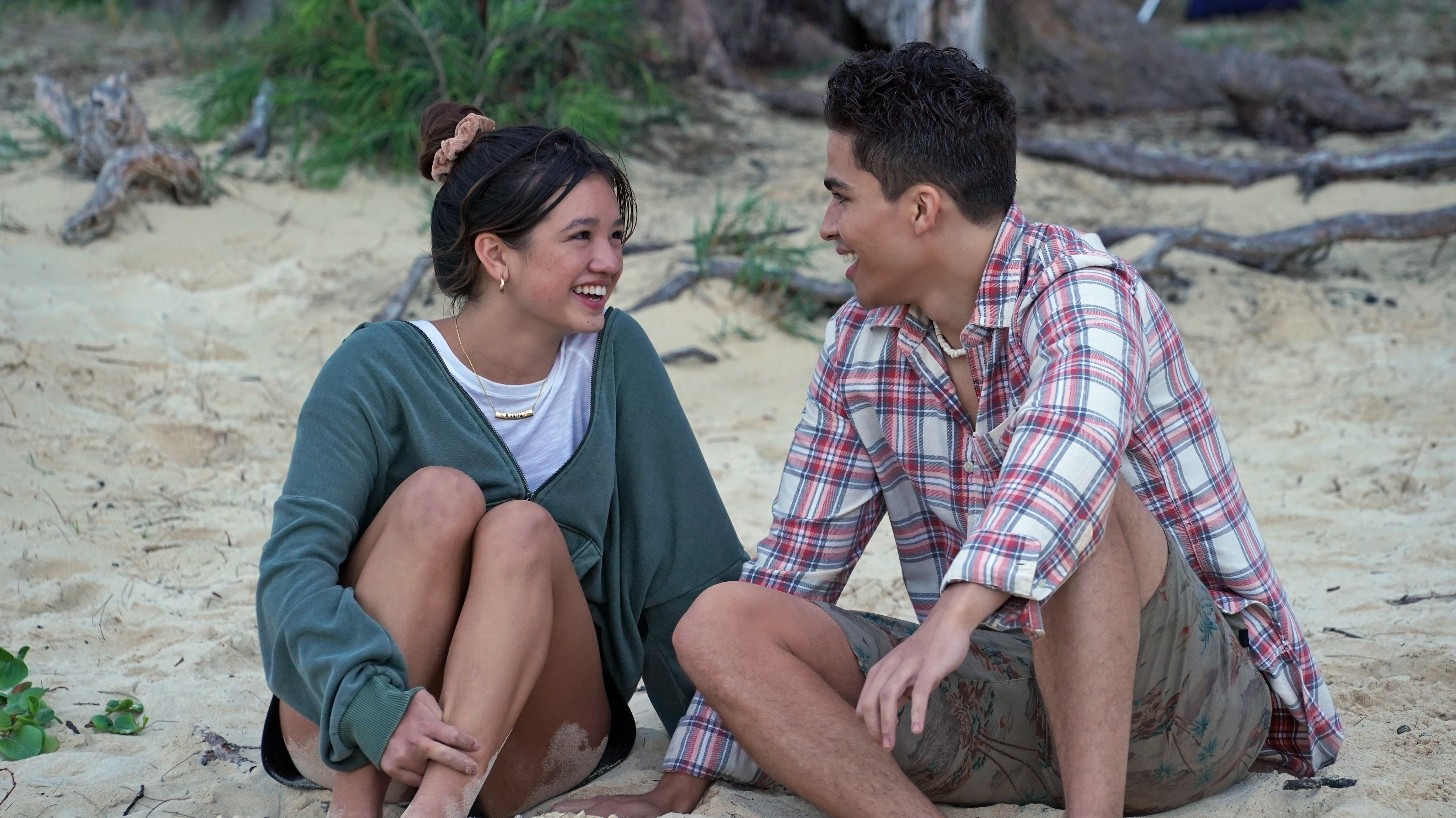 """DOOGIE KAMEALOHA, M.D. - """"Aloha - The Hello One"""" - Lahela is eager to experience some of life's firsts, but professional responsibilities interfere. (Disney/Karen Neal) PEYTON ELIZABETH LEE, ALEX AIONO"""