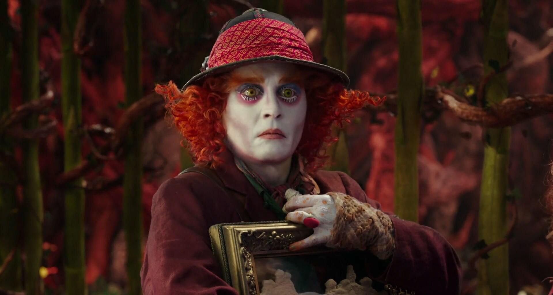 Alice i Eventyrland: Bag Spejlet - trailer