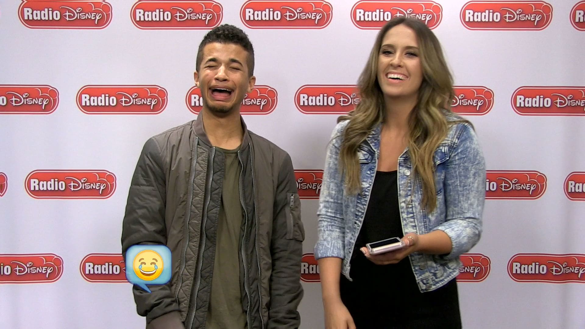 Jordan Fisher Cell & Tell | Radio Disney