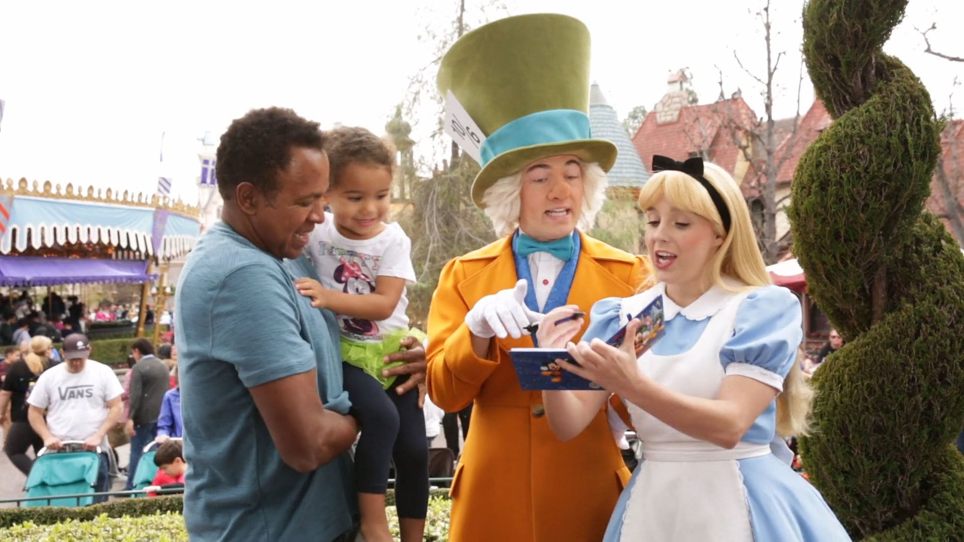 Tips On How to Successfully Take Your Toddler to the Disneyland Resort | Disney Family