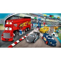 Florida 500 Final Race Playset by LEGO Juniors - Cars 3