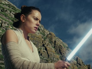 Poll: What is Your Favorite Moment in the Star Wars: The Last Jedi Trailer?