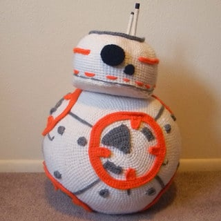 Most Impressive Fans: Ellie McPhee's Cute Crochet BB-8
