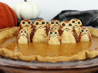 Serve Porgin Pie, the Galaxy's Cutest Thanksgiving Dessert