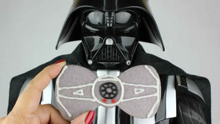 "Celebrate ""I Am Your Father's Day"" with a Dark Side Treat: Darth Vader Bow TIE Cookies!"