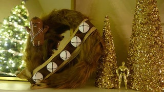 Give Your Holiday Guests the Warm Fuzzies With a DIY Chewbacca Wreath