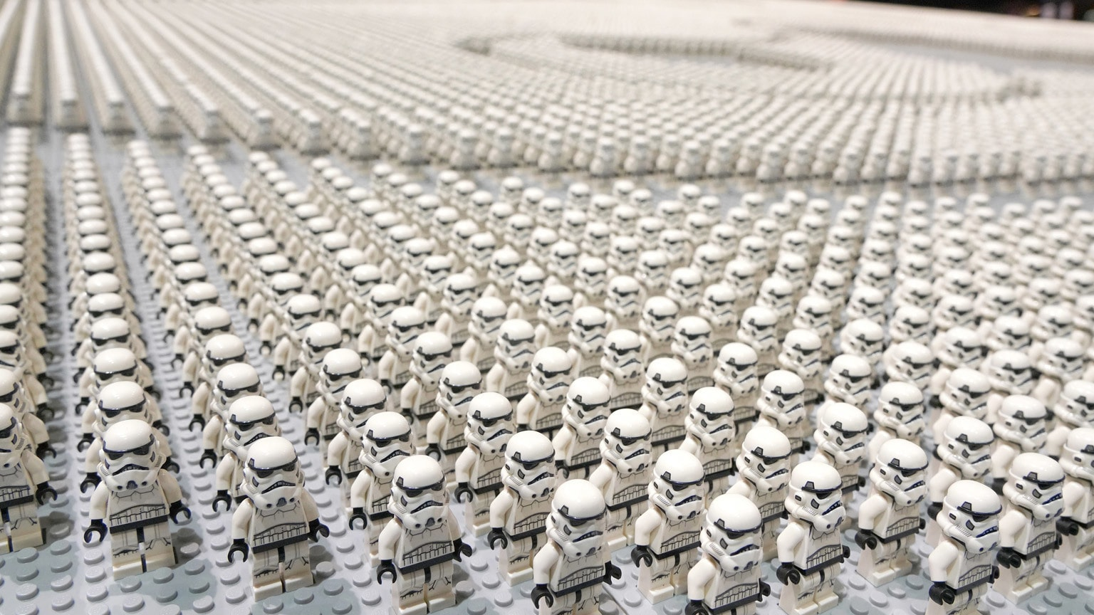 SWCC 2019: LEGO Breaks Guinness World Record with an Army of 36,440 Stormtrooper Minifigures