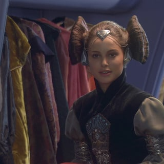 Quiz: Which Padmé Amidala Outfit Should You Wear?