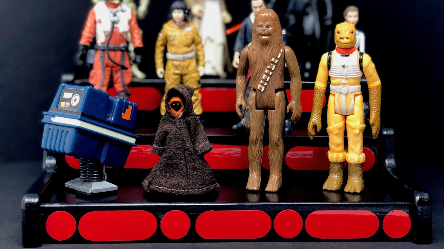 Make Your Star Wars Collection Look Most Impressive with This DIY Display Stand
