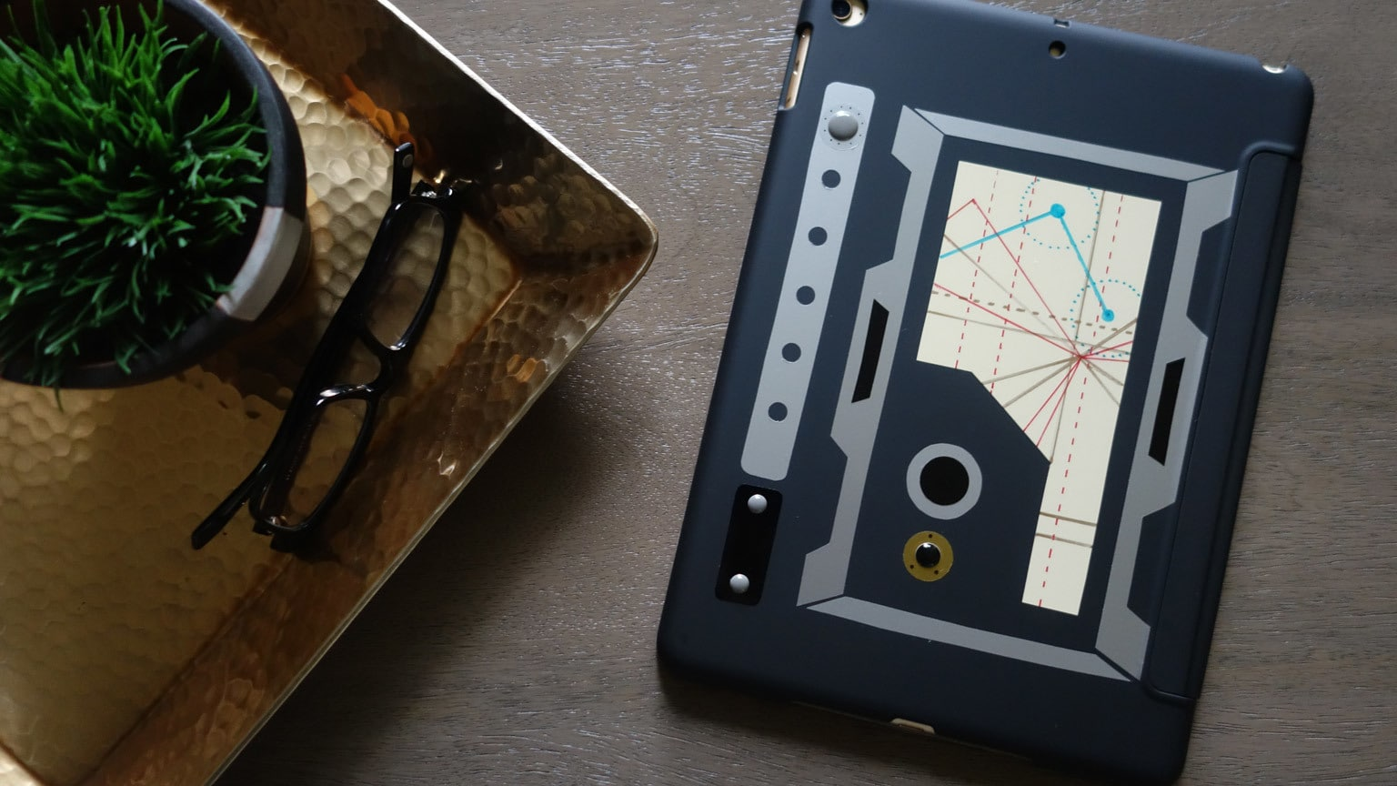 Give Your Tablet Some Galactic Flair with This DIY Datapad Case