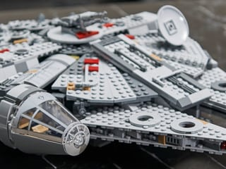 The LEGO Galaxy Expands with Star Wars: The Rise of Skywalker and The Mandalorian