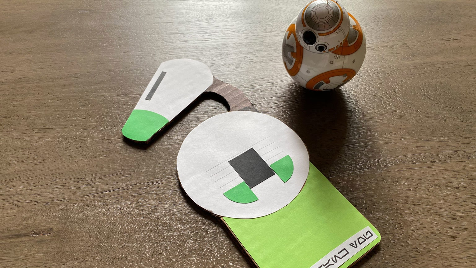Make a Droidtastic D-O Door Hanger