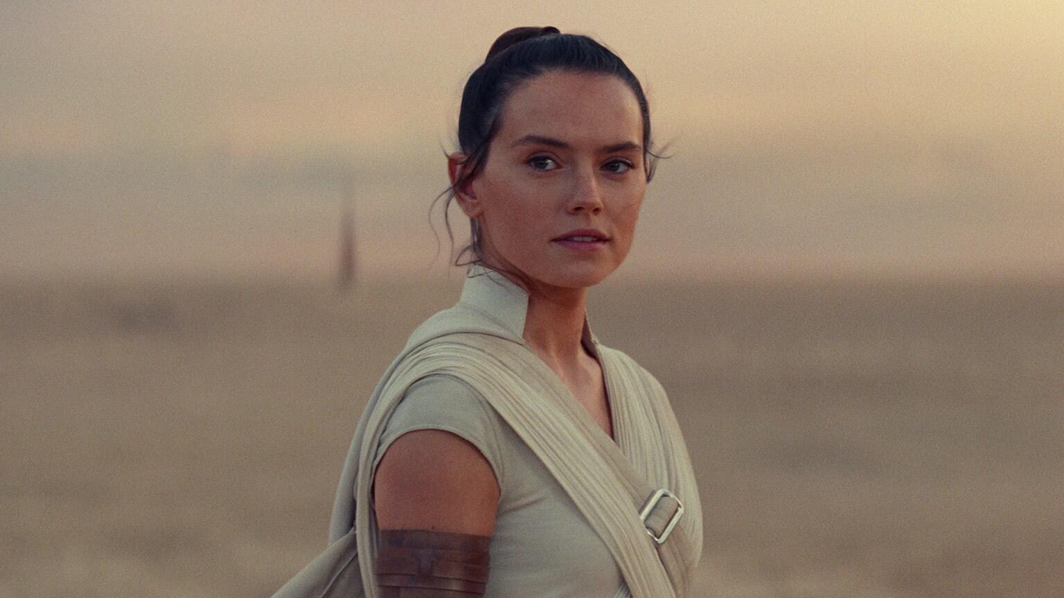 Rey on Tatooine