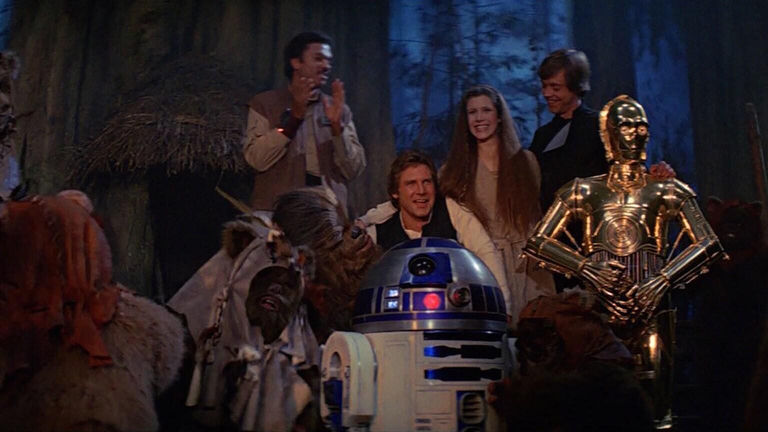 Disney Store Authentic Star Wars Scarf Vader Luke Leia Han R2-D2 C3-PO NWT