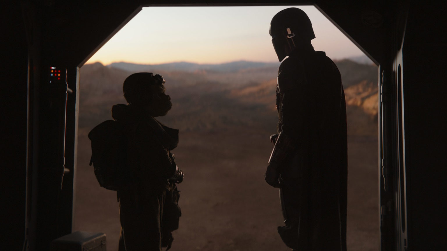 "Bounty Hunting Highlights: 6 of Our Favorite Moments from The Mandalorian – ""Chapter 2: The Child"""
