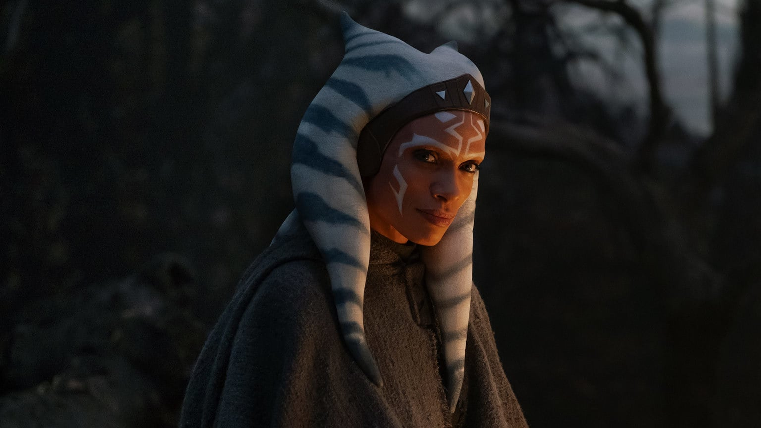 The Best of the Jedi: Rosario Dawson on Bringing Ahsoka Tano to Live-Action and The Mandalorian