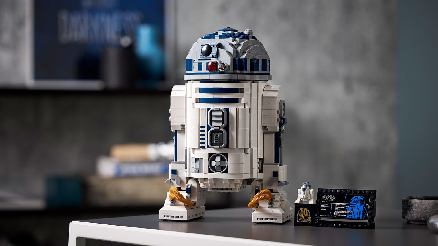 5 Behind-the-Bricks Secrets of the LEGO Group's Amazing New R2-D2 – Exclusive
