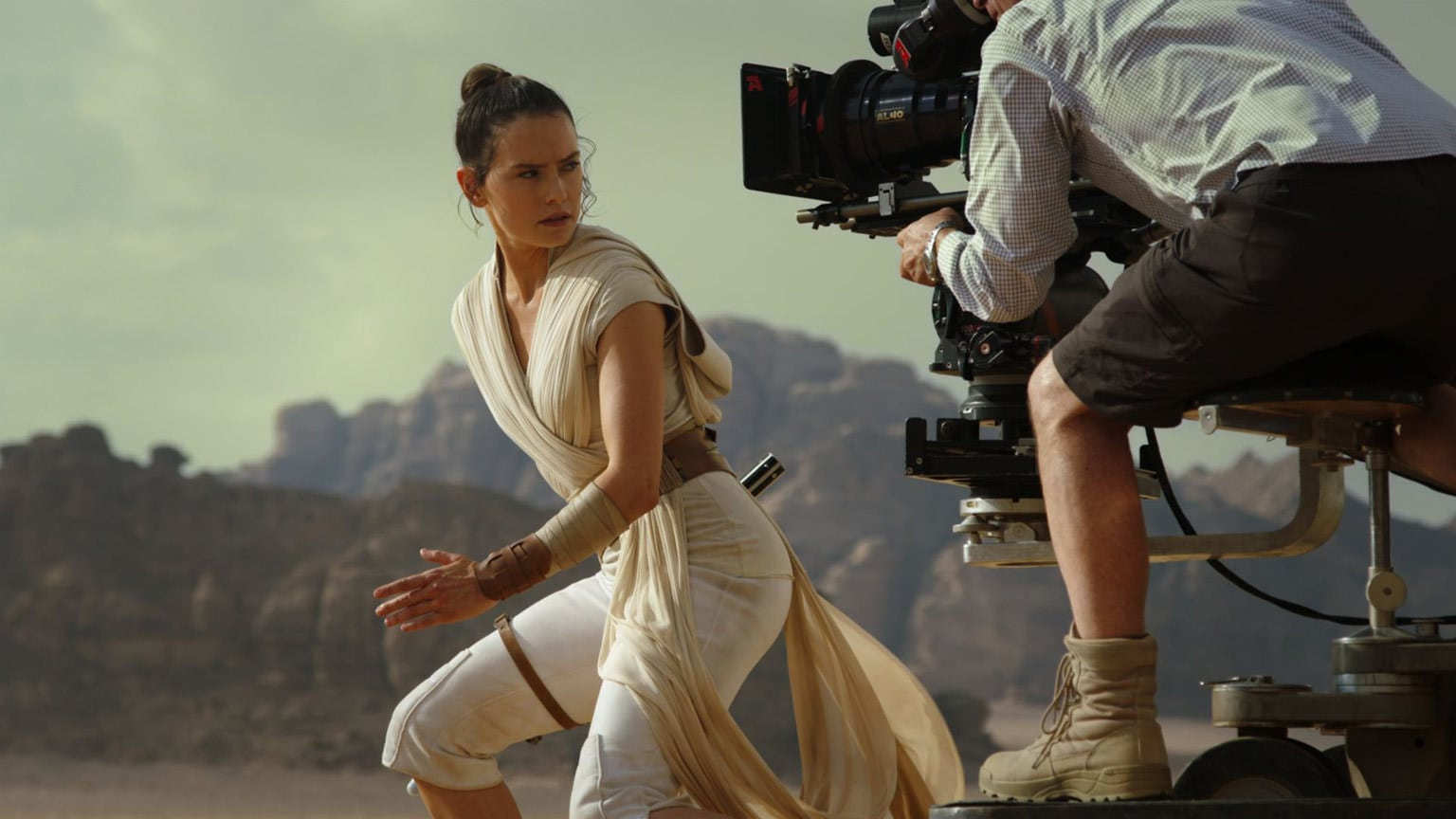 10 Essential Star Wars Behind-the-Scenes Features on Disney+