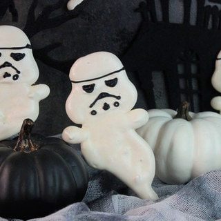 These Stormtrooper Ghost Cookies Are Frightfully Good