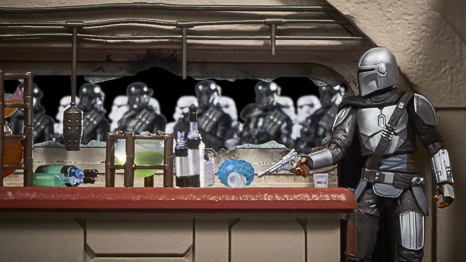Hasbro PulseCon 2021: Inside the Vintage Collection Nevarro Cantina Playset