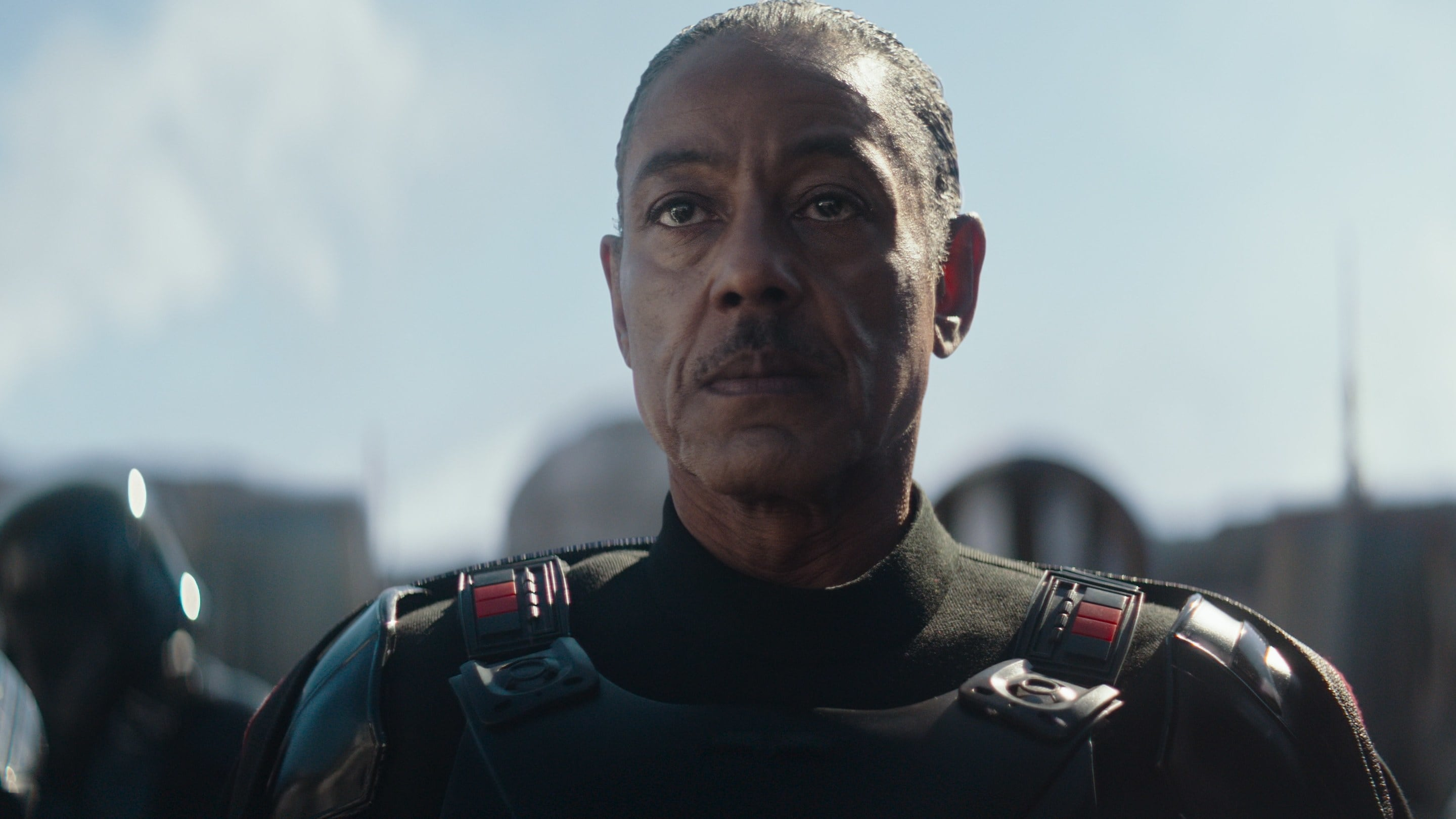 Caption :Giancarlo Esposito is Mof Gideon in the Disney+ series THE MANDALORIAN. Byline :Lucasfilm Ltd. Copyright :(C) 2019 Lucasfilm Ltd. All Rights Reserved.