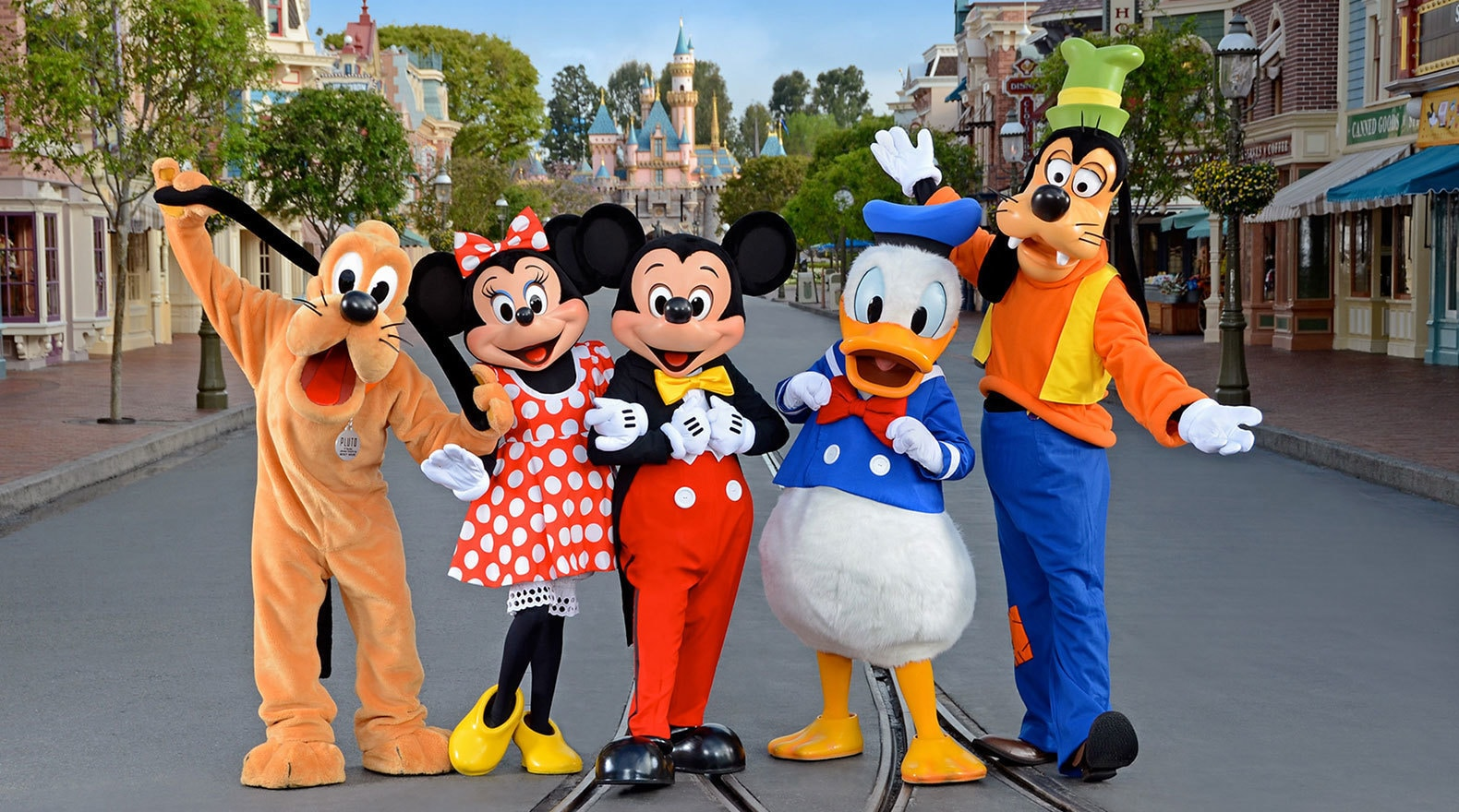 all about characters at disneyland and california adventure - HD 1580×880