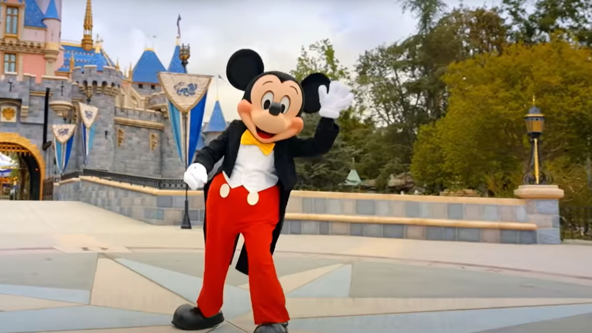 Disneyland Reopening Day - Welcome Back!