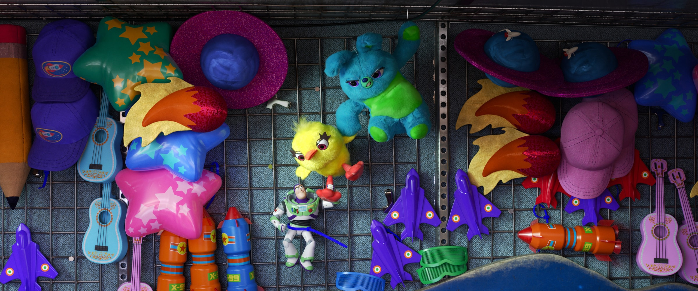 Toy Story 4 Home Ent | Carnival Games | Article Page Hero