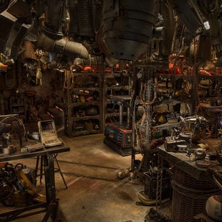 Babu Frik's workshop