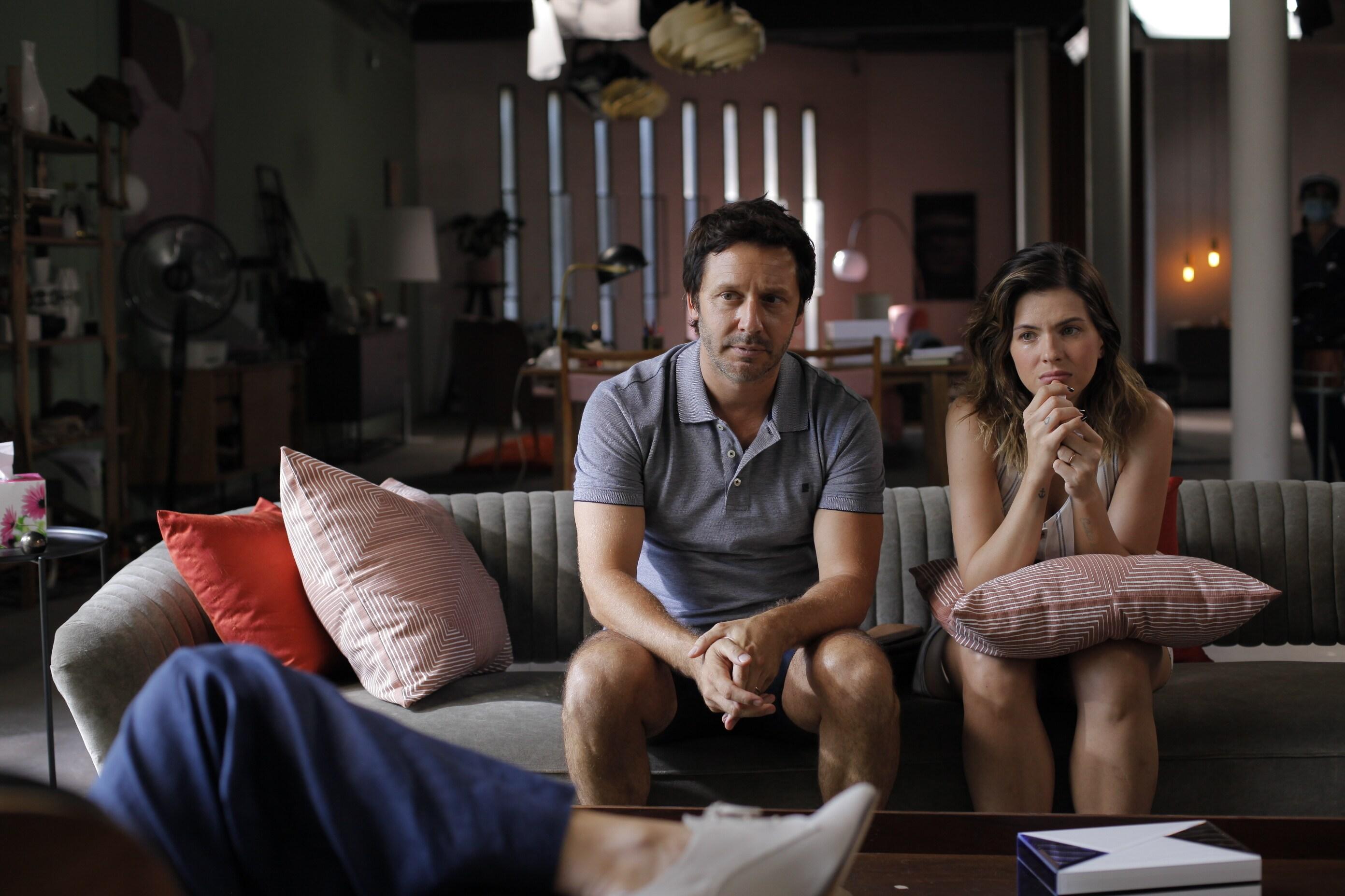 Benjamín Vicuña y Eugenia Suárez - Terapia alternativa