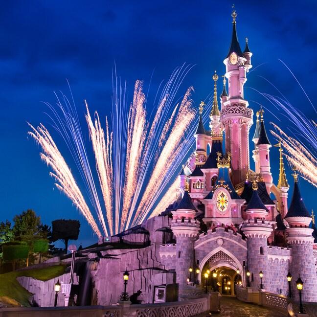 Agrega la Magia de Disney a los chats de video en línea con fondos virtuales