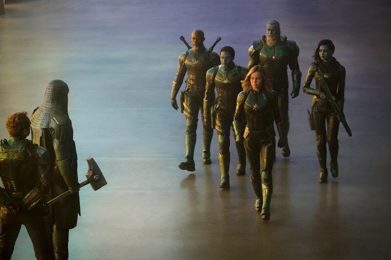 Mar-Vell (Captain Marvel) and her team walking towards Ronin and Yon-Rogg