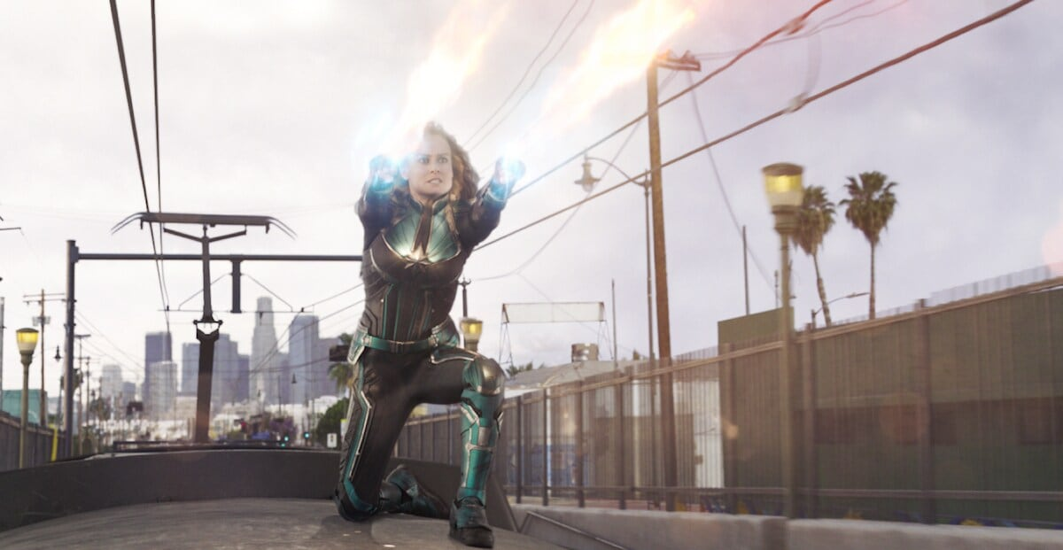 Mar-Vell shooting beams from her arms