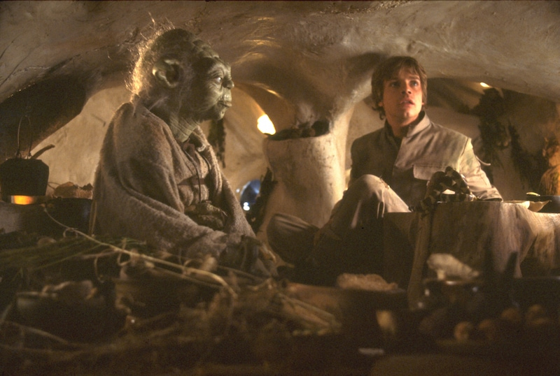 Yoda and Luke Skywalker meeting in Yoda's home