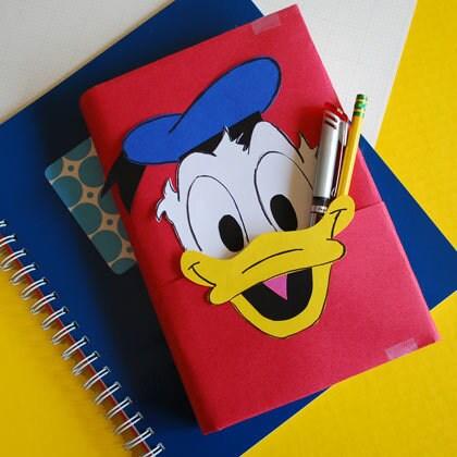 Forro de libro del pato Donald