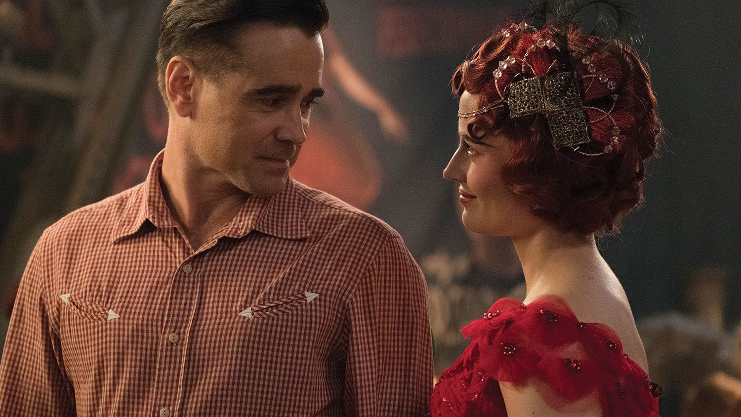 Colin Farrell and Eva Green in Dumbo